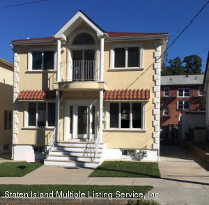 11 Llewellyn Place, Staten Island, NY 10310