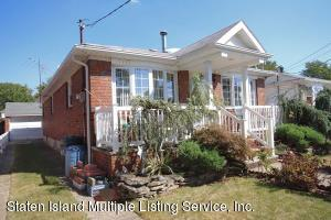 SOLID BRICK RANCH-SEASONAL GARDENS-UPDATED 2010-2012 WITH HEATING SYSTEM/CENTRAL AIR/RECESS LIGHTS/WOOD PANEL DOORS/FRONT STEPS/