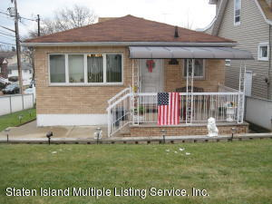 870 Richmond Road, Staten Island, NY 10304
