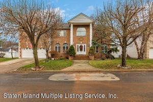 41 Carolyn Court, Staten Island, NY 10309