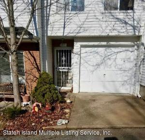 97 Aspen Knolls Way, Staten Island, NY 10312