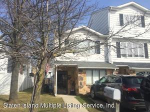 21 Caryle Green, Staten Island, NY 10312