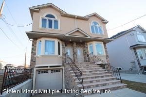 8 Lemon Drop Court, Staten Island, NY 10309