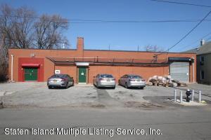81 Christopher Street, Staten Island, NY 10303