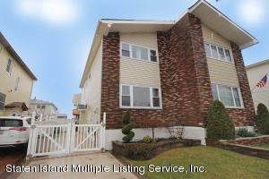 Large Semi with ocean view...Updated in 2008 with new Full Bath & Kitchen