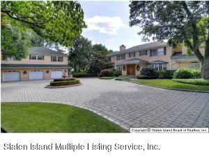 738 Todt Hill Road, Staten Island, NY 10304