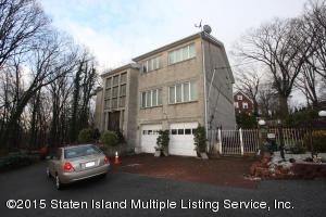 15 Oceanview Lane, Staten Island, NY 10301