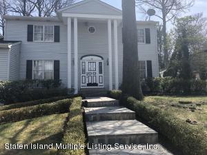 5 Johanna Lane, Staten Island, NY 10309