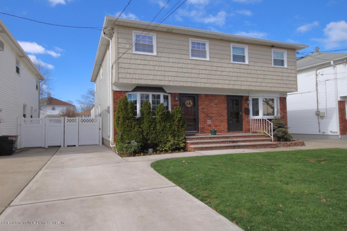 Homes For Sale in Oakwood Staten Island