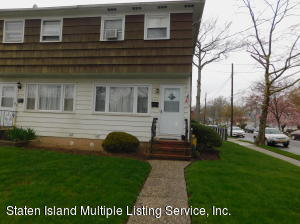 125 Oceanview Place, Staten Island, NY 10308