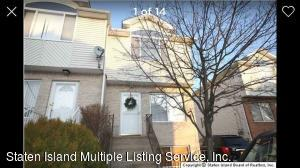 21 Bentley Lane, Staten Island, NY 10307