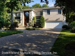 94 Amaron Lane, Staten Island, NY 10307