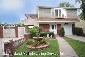 25 Hank Place, Staten Island, NY 10309