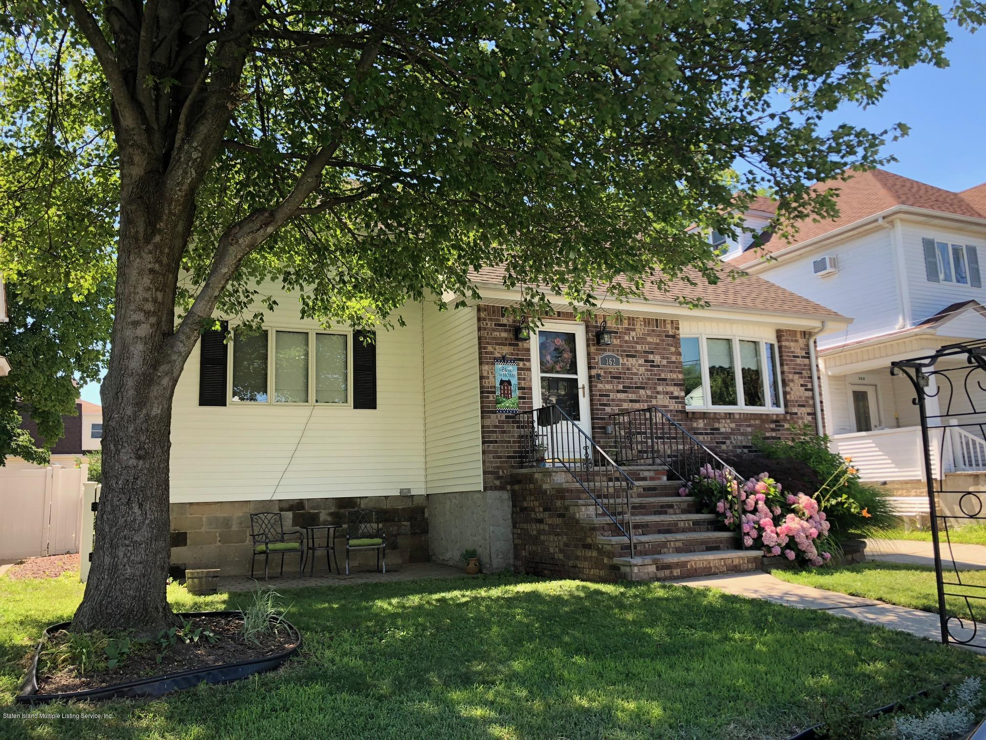 Single Family - Detached 362 Brehaut Avenue  Staten Island, NY 10307, MLS-1120848-4