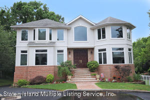 22 Nathan Court, Staten Island, NY 10309