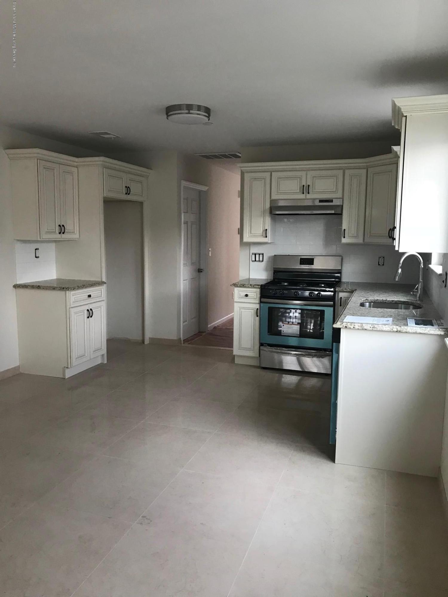 Single Family - Semi-Attached 14 Summerfield Place  Staten Island, NY 10303, MLS-1120998-4