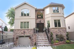 135 Mcbaine Avenue, Staten Island, NY 10309