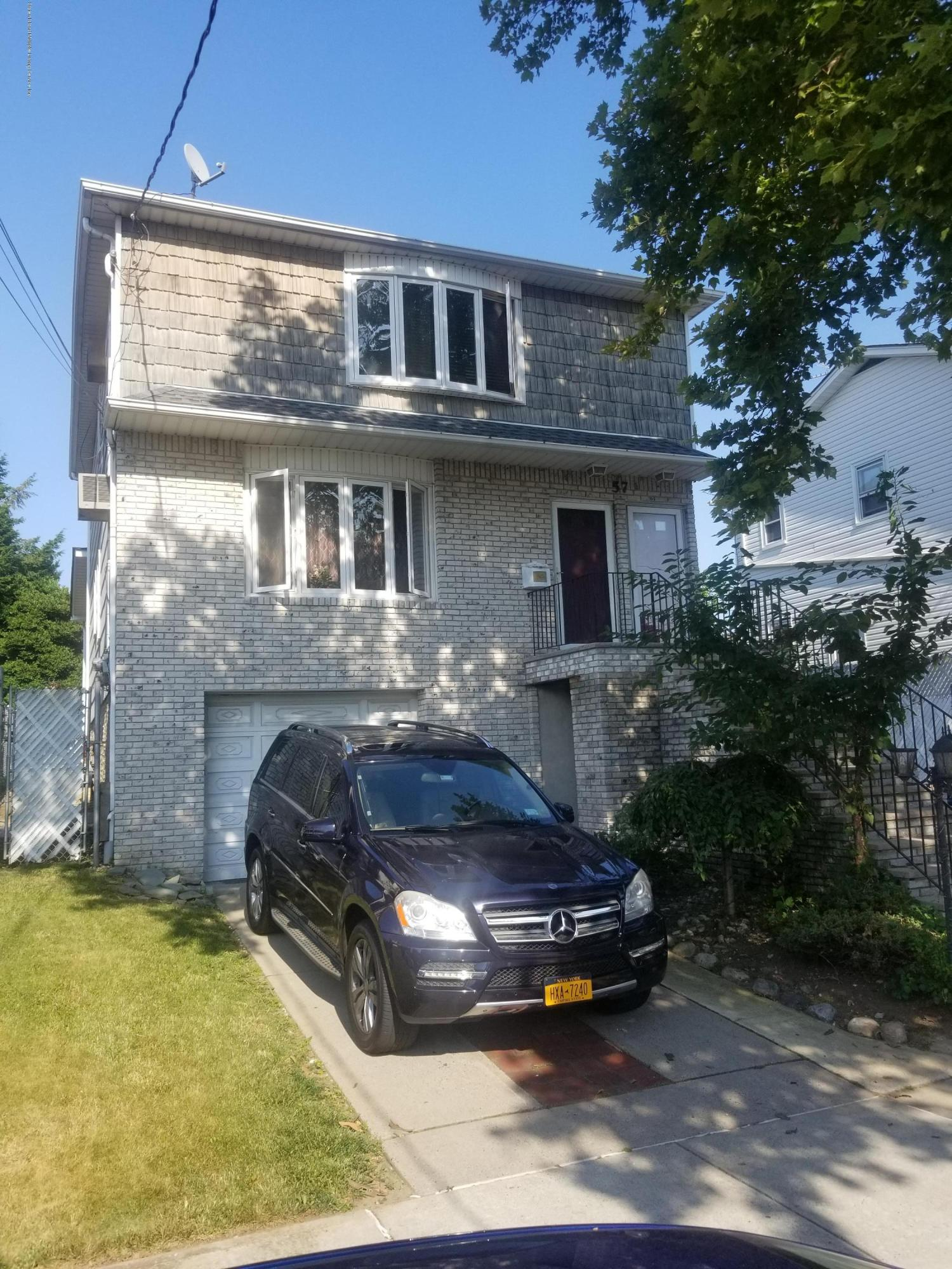 Two Family - Detached in Manor Heights - 57 Graves Street  Staten Island, NY 10314