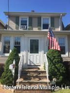 Welcome Home to this Sunny, South Facing Beauty in the Heart of Westerleigh!