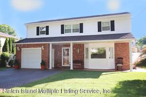 Custom Colonial w/4 Bedrm-4 Baths-Full Fin Basement & Garage