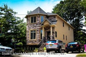18 Brighton St, Staten Island, NY 10307