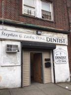 1082 Castleton Avenue, Staten Island, NY 10310