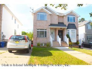 22 Bellavista Court, Staten Island, NY 10305