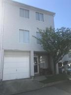 102 Ilyssa Way, Staten Island, NY 10312