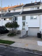33 Dover Green, Staten Island, NY 10312