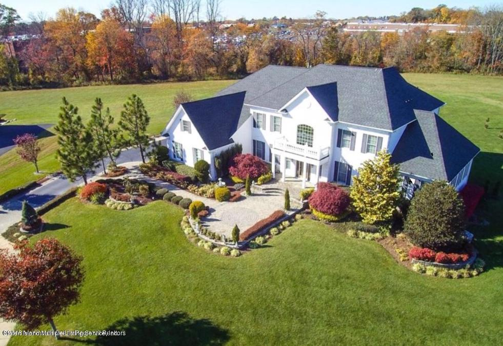 Single Family - Detached in Howell - 6 Genek Court  Howell, NY 07731