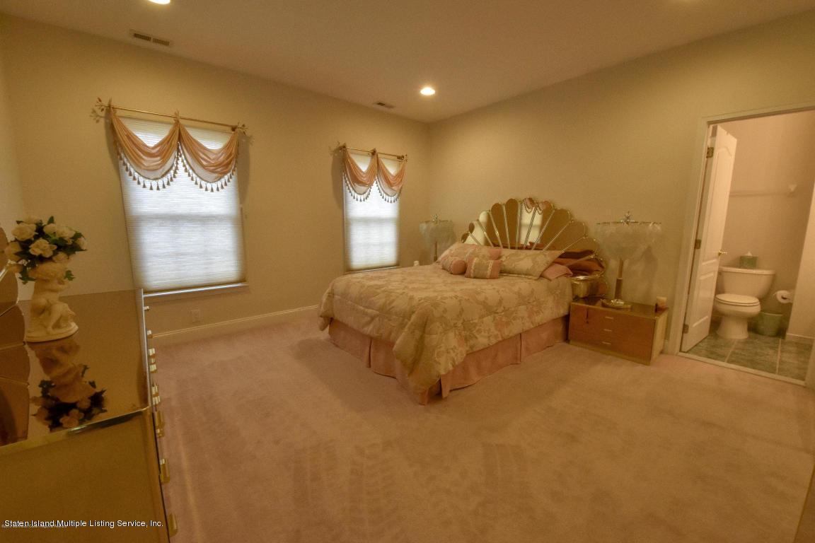 Single Family - Detached 6 Genek Court  Howell, NY 07731, MLS-1124520-25