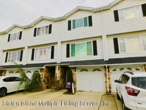 29 Carlyle Green, Staten Island, NY 10312