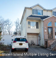 106 Pelican Circle, Staten Island, NY 10306