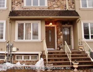 12 Calvanico Lane, Staten Island, NY 10314