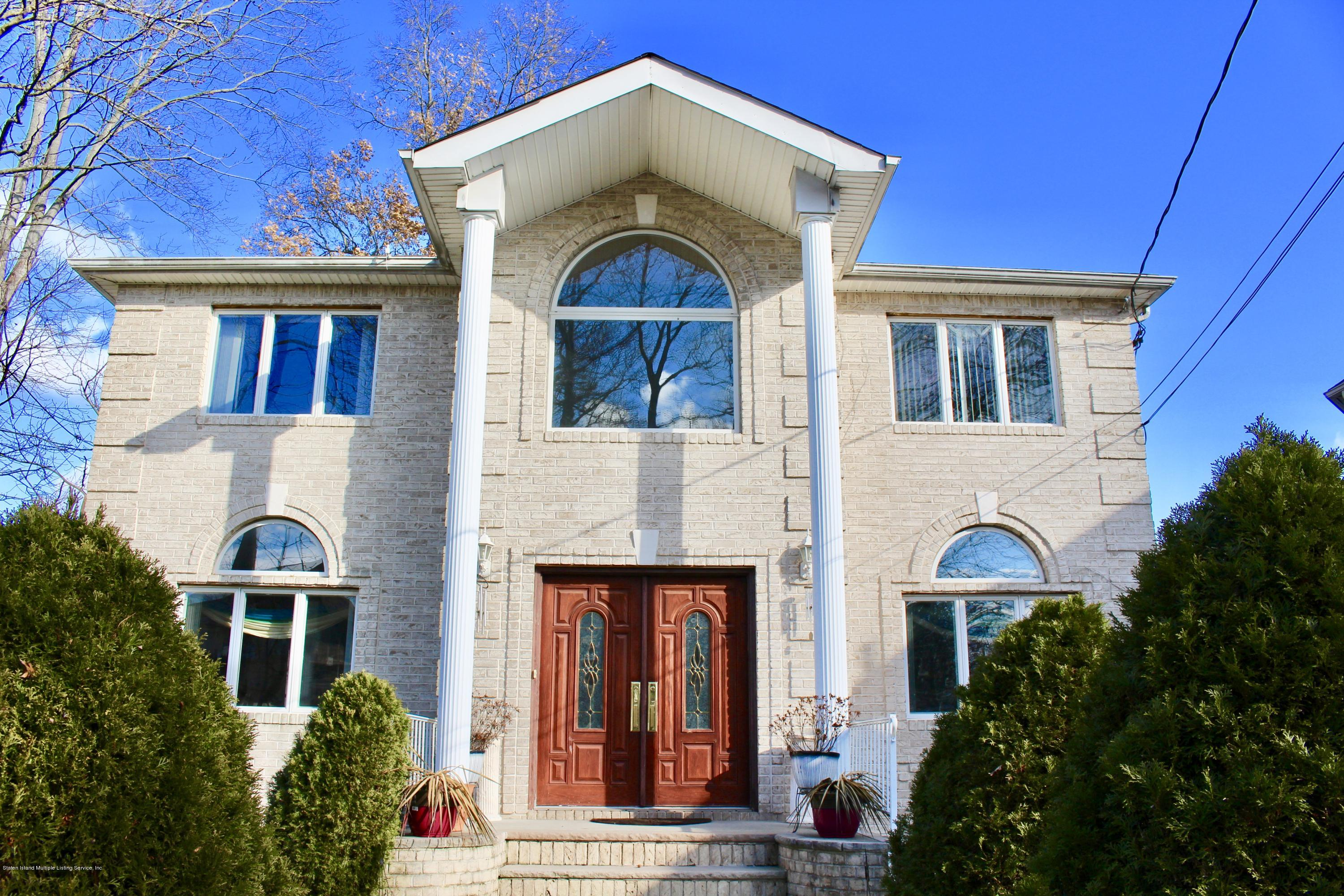 Two Family - Detached in Princes Bay - 63 Parkwood Avenue  Staten Island, NY 10309