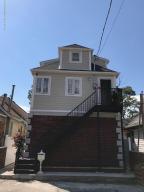 16 Iroquois Street, Staten Island, NY 10305