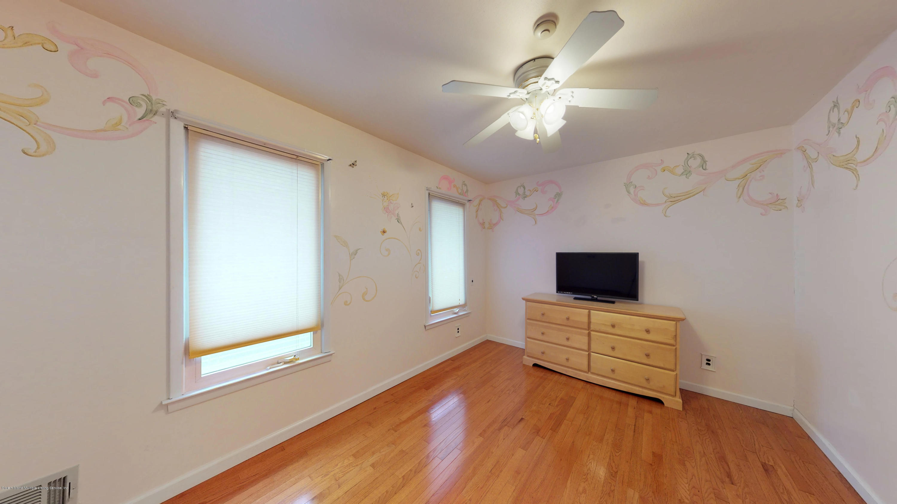 Single Family - Detached 8 Bland Place  Staten Island, NY 10312, MLS-1124910-35