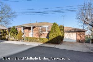 33 Wentworth Avenue, Staten Island, NY 10305