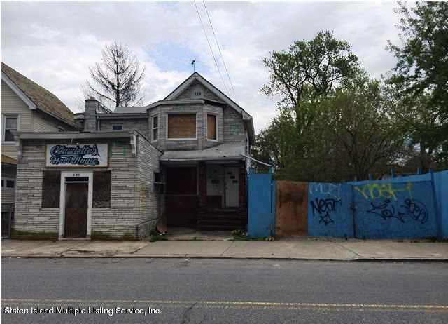 Commercial in Westerleigh - 483 Jewett Avenue  Staten Island, NY 10302