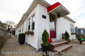 12 Millbank Road, Staten Island, NY 10306