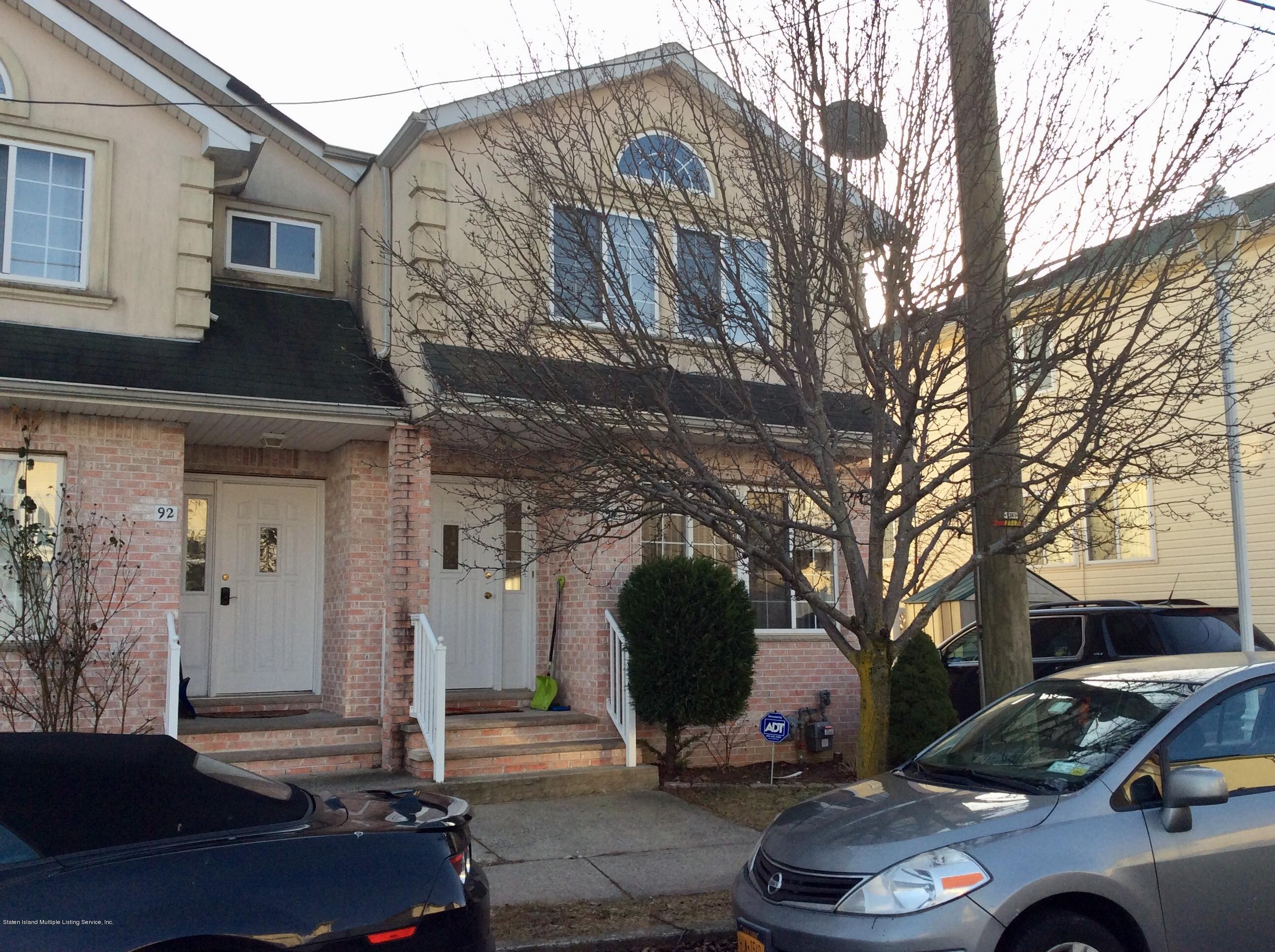 Single Family - Semi-Attached in Pleasant Plains - 94 Ambassador Lane  Staten Island, NY 10309