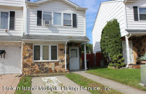 195 Carlyle Green, Staten Island, NY 10312