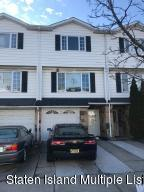32 Carlyle Green, Staten Island, NY 10312