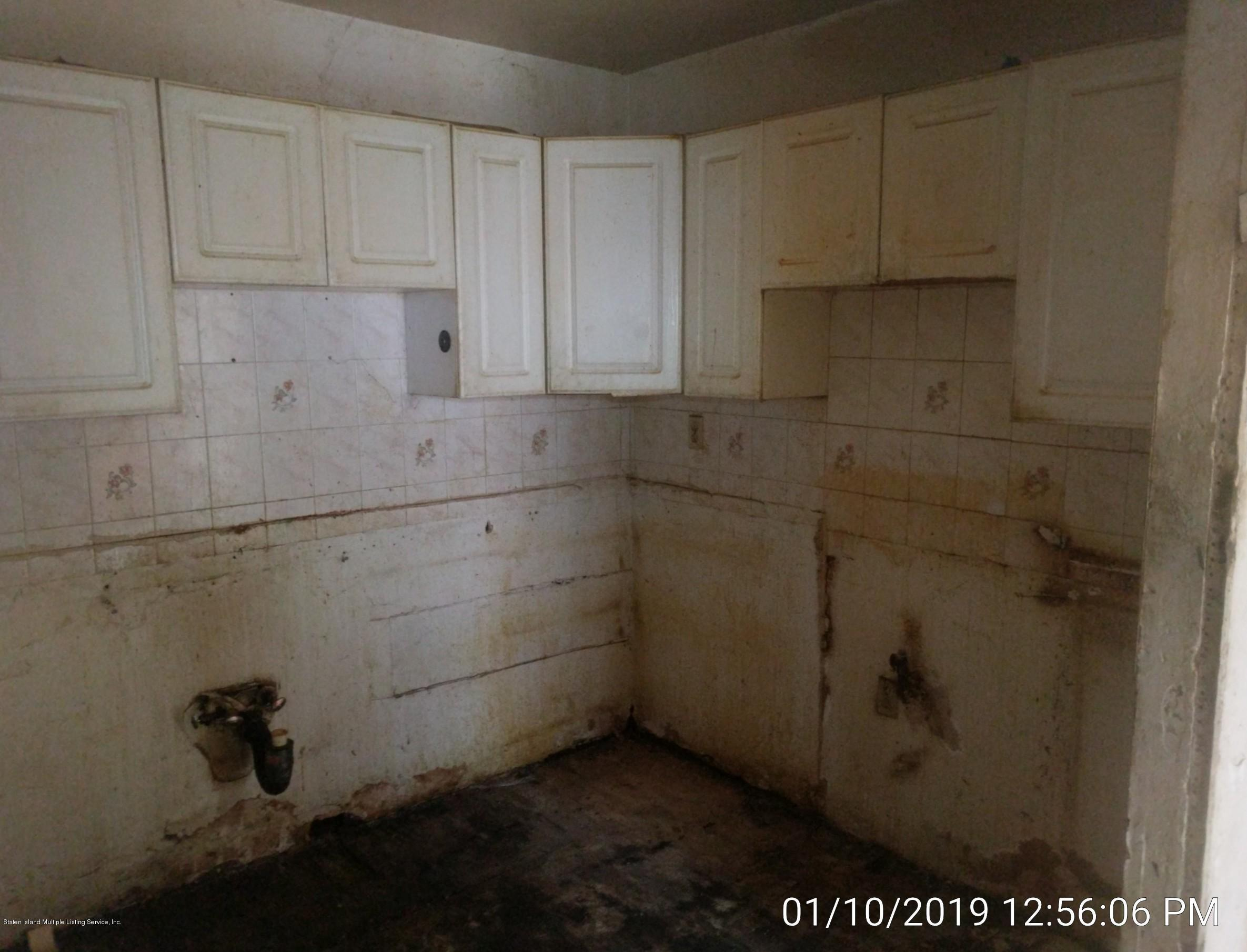 Single Family - Semi-Attached 14 Giordan Court  Staten Island, NY 10303, MLS-1125637-10