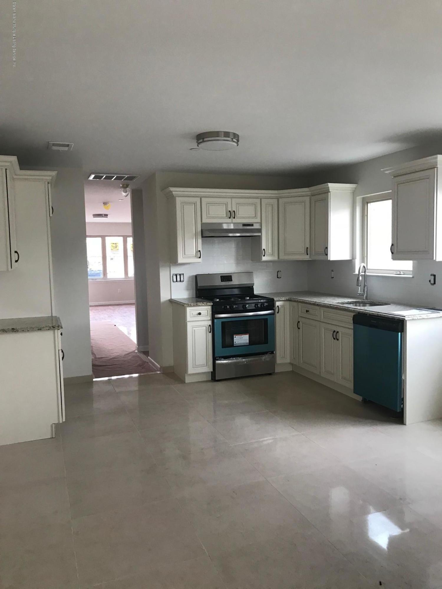 Single Family - Semi-Attached 8 Summerfield Place  Staten Island, NY 10303, MLS-1125803-3