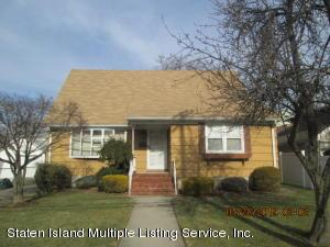 209 Lincoln Avenue, Staten Island, NY 10306
