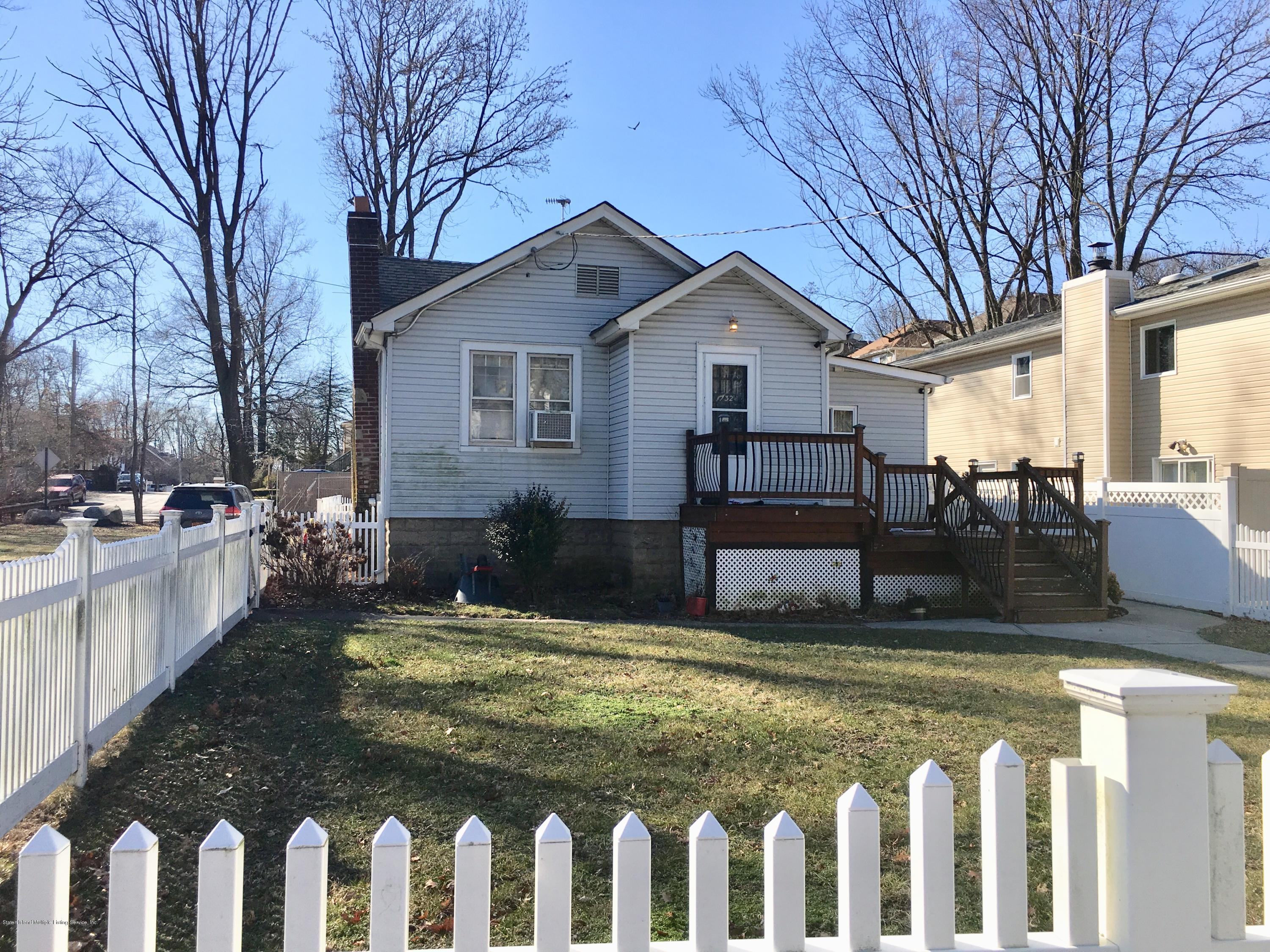 Single Family - Detached in Annadale - 132 Jefferson Boulevard  Staten Island, NY 10312