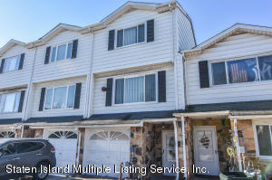 26 Carlyle Green, Staten Island, NY 10312