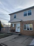 14 Greencroft Lane, Staten Island, NY 10308