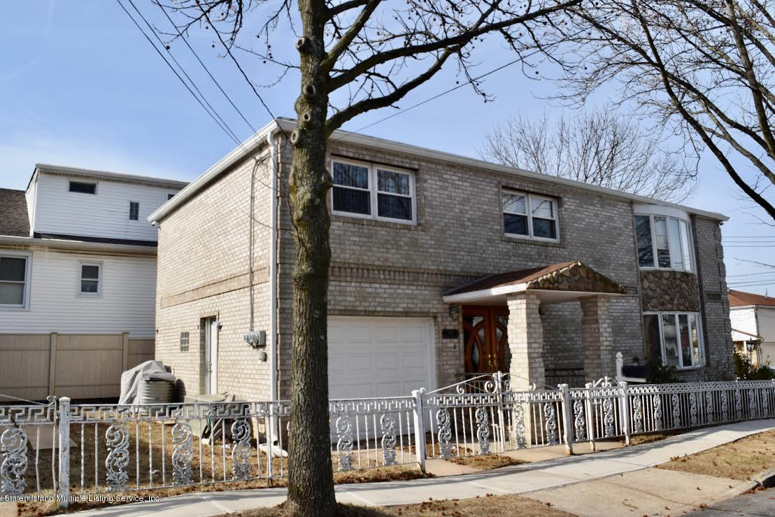 Two Family - Detached in Sunnyside - 186 Seneca Avenue  Staten Island, NY 10304